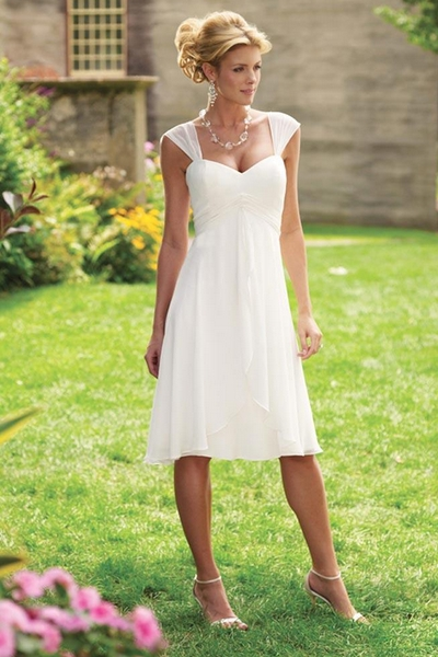 10 Non-Traditional Wedding Dresses for the Non-Traditional Bride