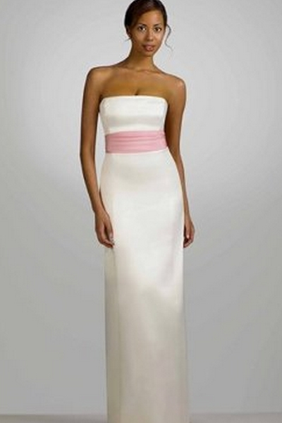 10 non traditional wedding dresses for the non traditional for White with pink wedding dresses