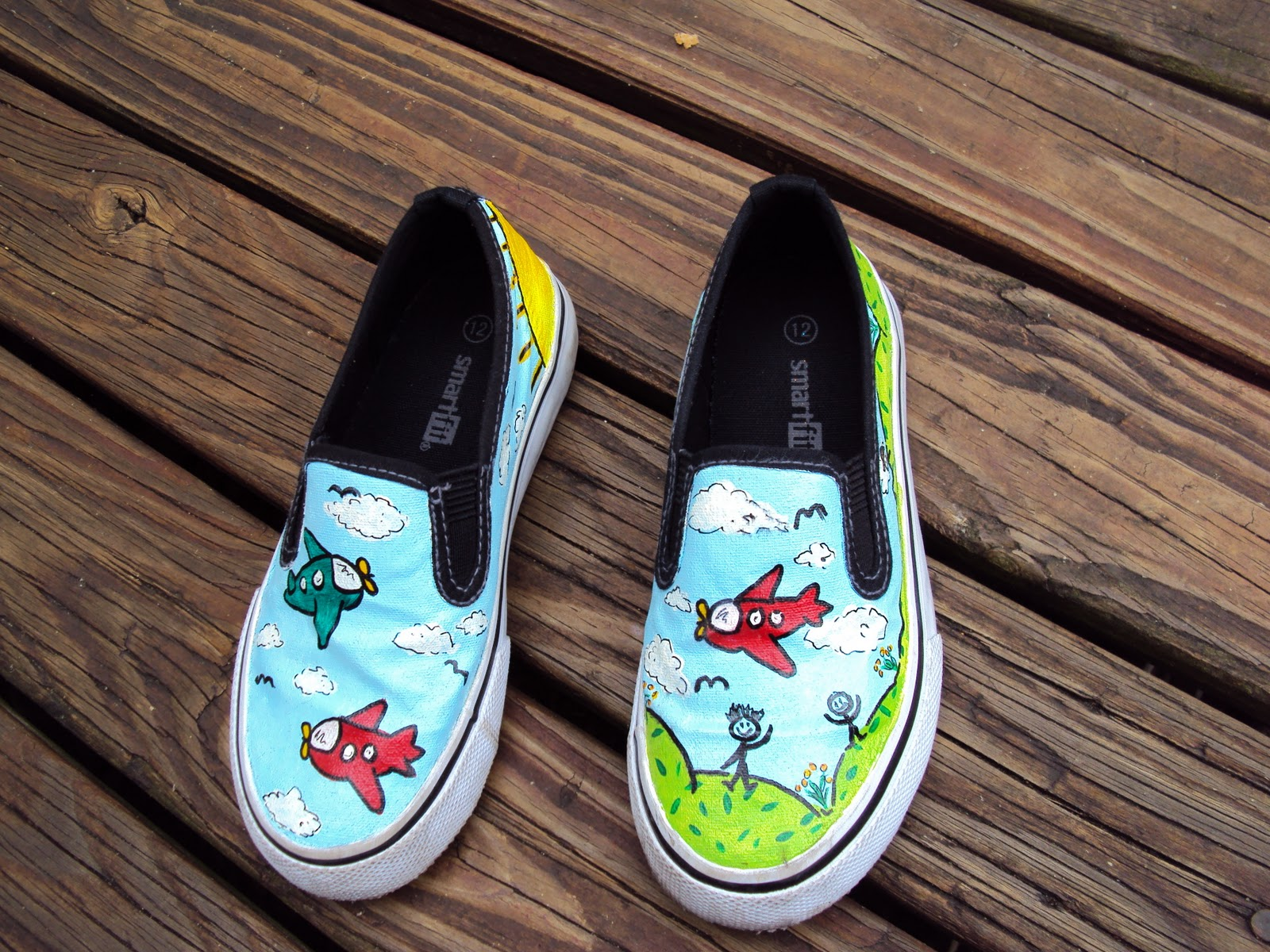 DIY  Personalized Hand Painted Shoes f374c9be6