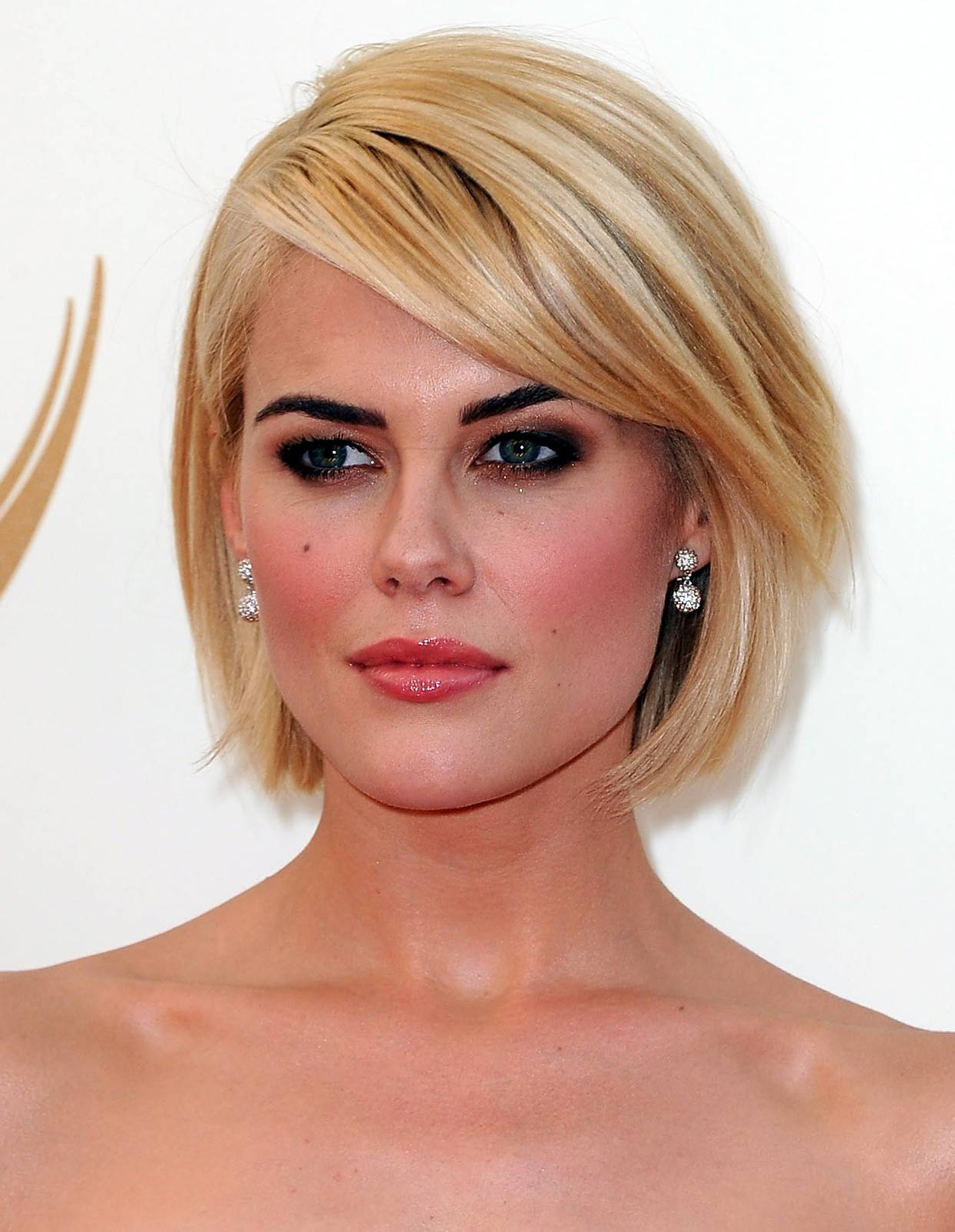 Best Bob Hairstyles Flaunted By Your Favorite Celebrities In 2012