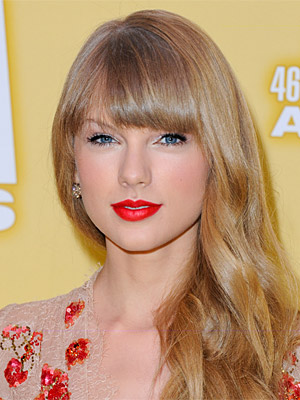 Celebrity Hairstyle Tutorial: Taylor Swift